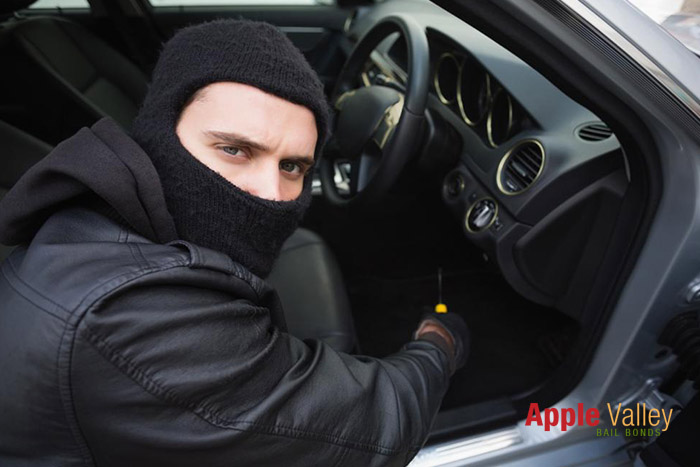 The Differences Between Theft, Robbery, and Burglary